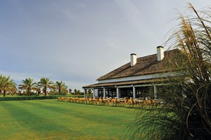 Costa_Ballena_clubhouse_front