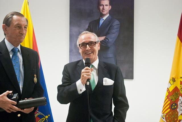 Medalla al Mérito a María Parra y Joaquín López Aulestia.