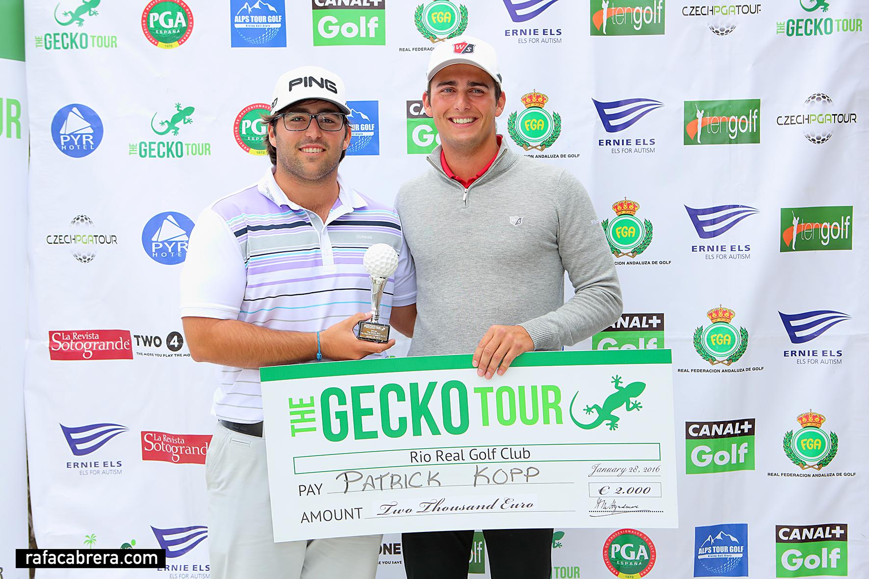 Mario Galiano, ganador del Gecko Tour en Río Real y Atalaya GCC, y Patrick Kopp, ganador profesional.