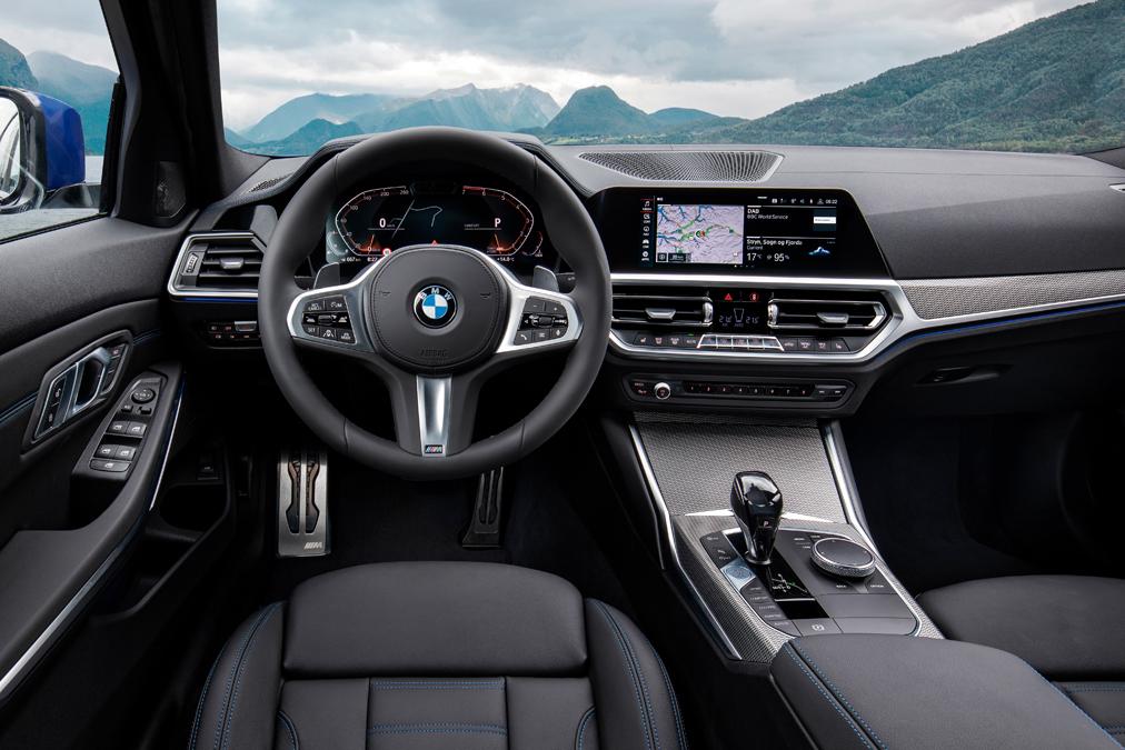 Interior del BMW serie 3 que acaba de estrenarse