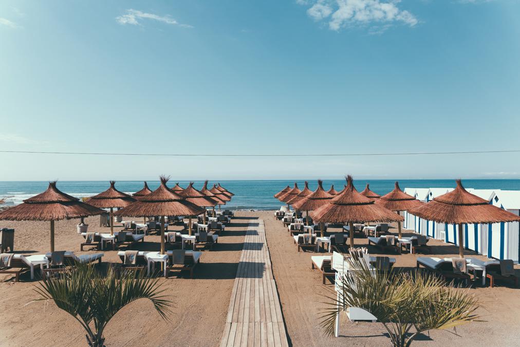 En Salduna Beach se puede disfrutar de varios ambientes, como la zona de hamacas