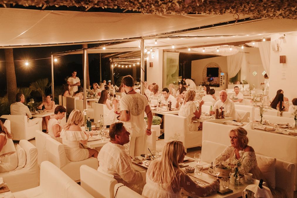 Purobeach Marbella ofrece también ambiente para la tarde/noche