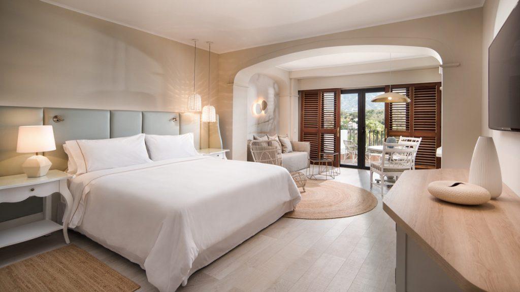Deluxe room. A walk around The Westin La Quinta Golf Resort & Spa - Golf Circus