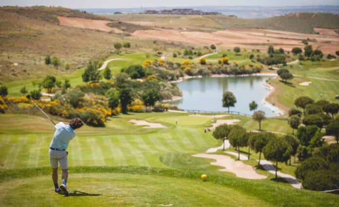 Hoyo 15 del Club de Golf Retamares, uno de los campos de la Asociación de Campos de Golf de Madrid